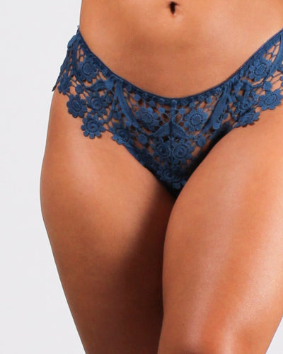 Haute Mesh Thong Blue / S Intimates
