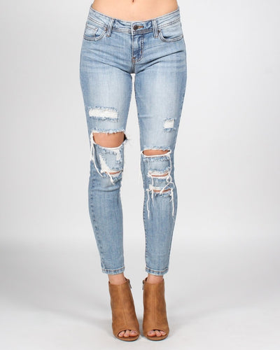 Hold Me Closer Low Rise Skinny Jeans 1 / Sky Lt Denim Bottoms