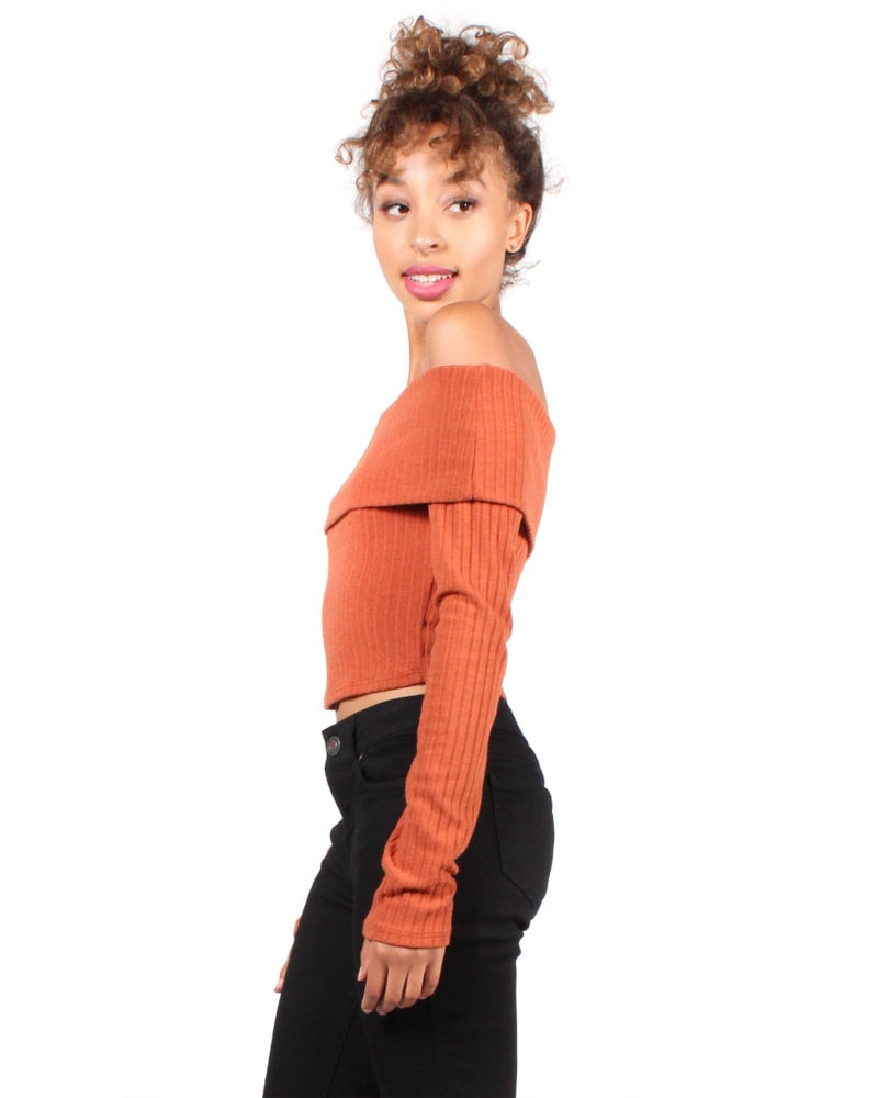 Lazarus Off The Shoulder Top S / Rust Beanie