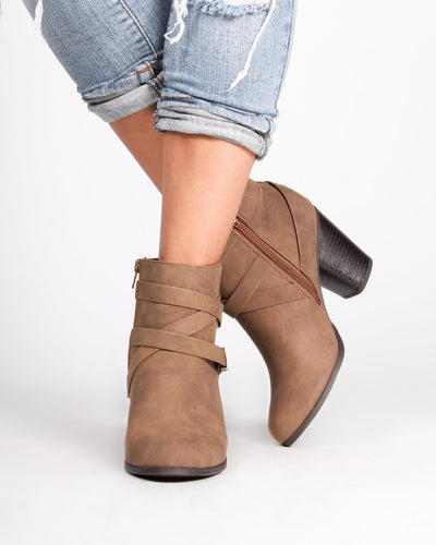 The Memphis Booties 5 / Light Brown Shoes