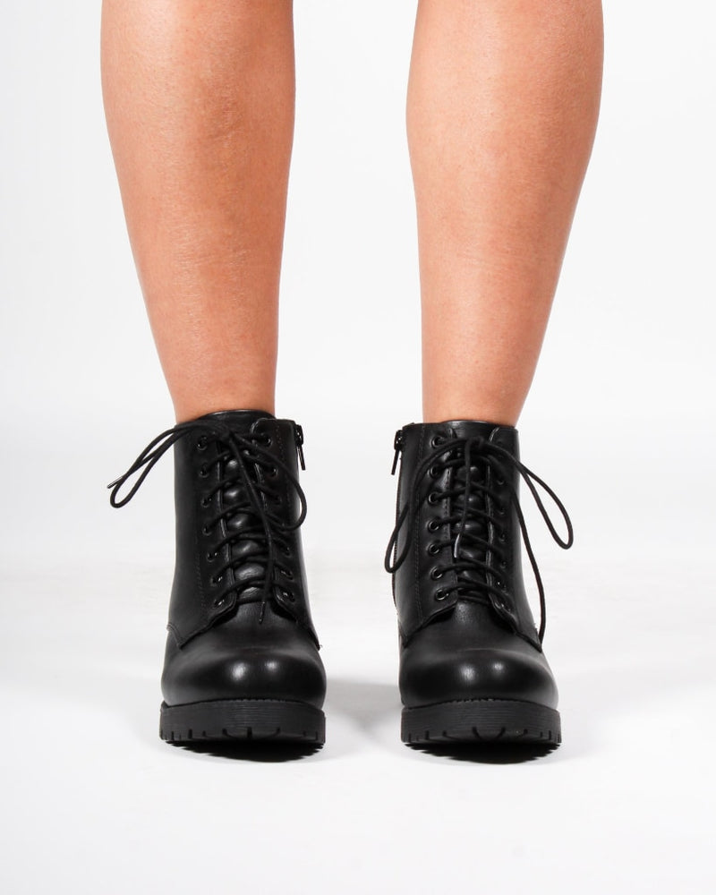 The Sedona Combat Booties 5 / Black Shoes