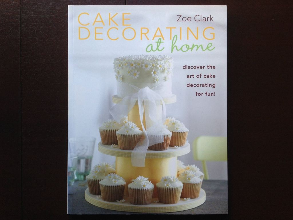 Cake Decorating At Home - Zoe Clark Non-Fiction