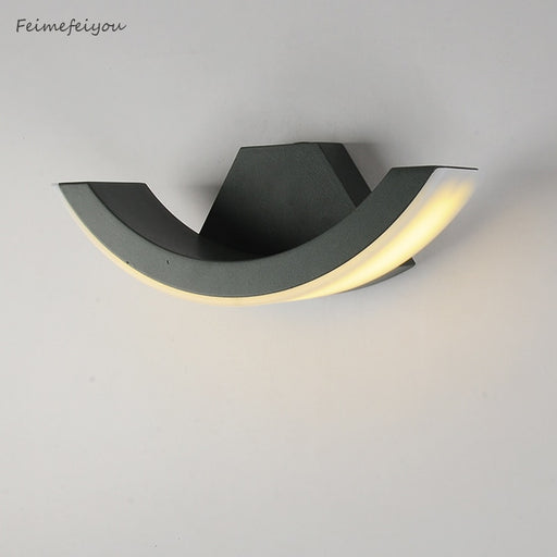 Feimefeiyou outdoor balcony stairs Engineering villa wall light of corridor light Waterproof wall lamp arc style
