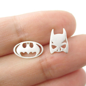 1 pair Batman Themed Bat Mask and Logo Shaped Stud Earrings in Gold Silver Super Heroes Jewelry