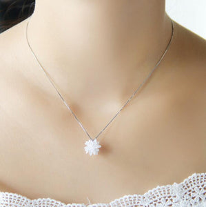 White Gold Color 100% Austria Crystal Flower Design Choker Necklace Pendants
