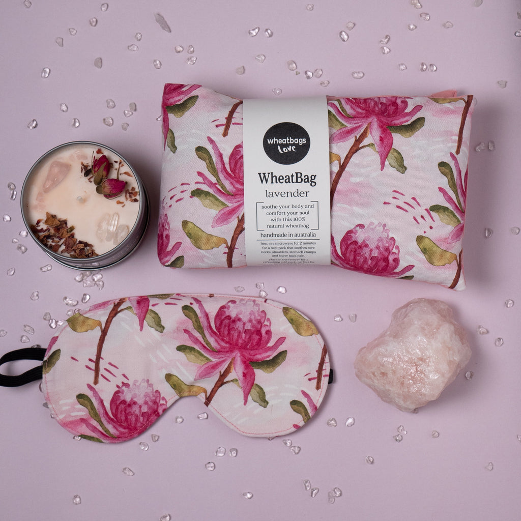 Relax gift pack - Waratah + candle