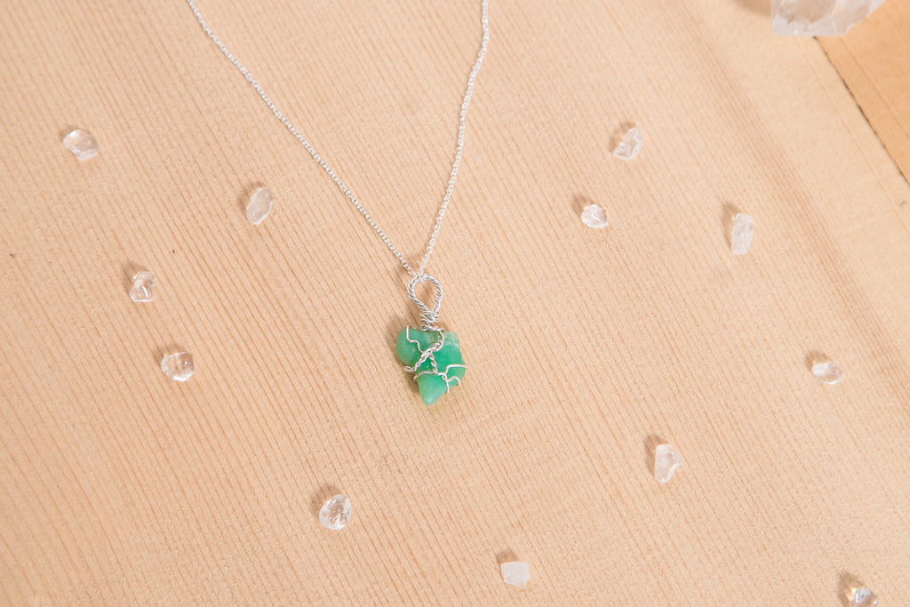 Chrysoprase dainty necklace / sterling silver
