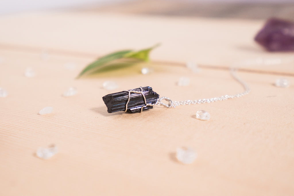 Black Tourmaline dainty necklace / sterling silver