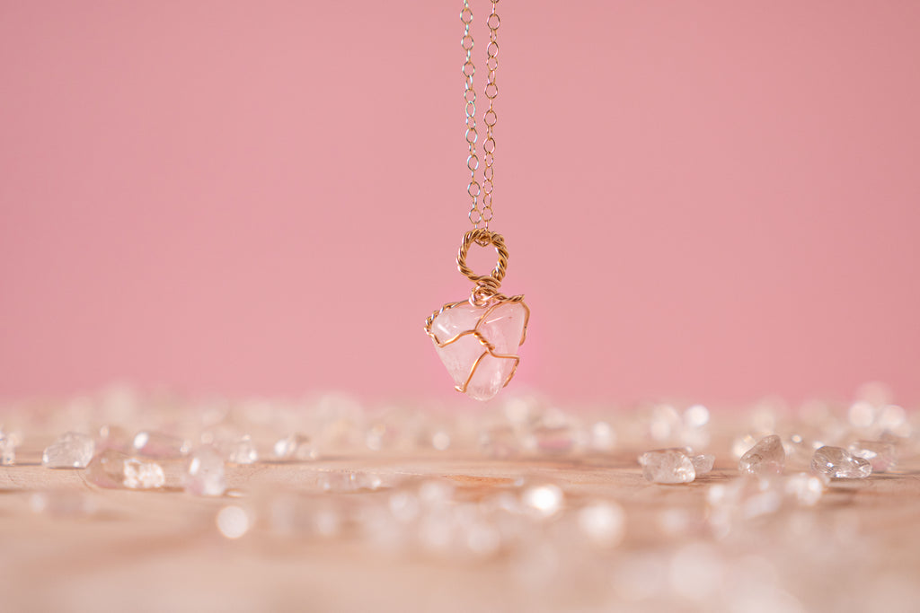 Rose Quartz dainty necklace // 14k Yellow gold fill