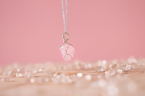 Rose Quartz dainty necklace // Sterling silver
