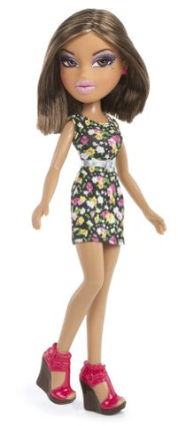 Bratz Strut It! Doll - Yasmin