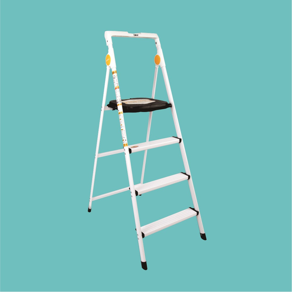 Boomjoy 4 Step Ladder Aluminium White