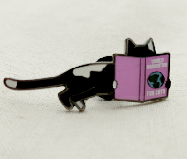 World domination for cats Pin/Brooch