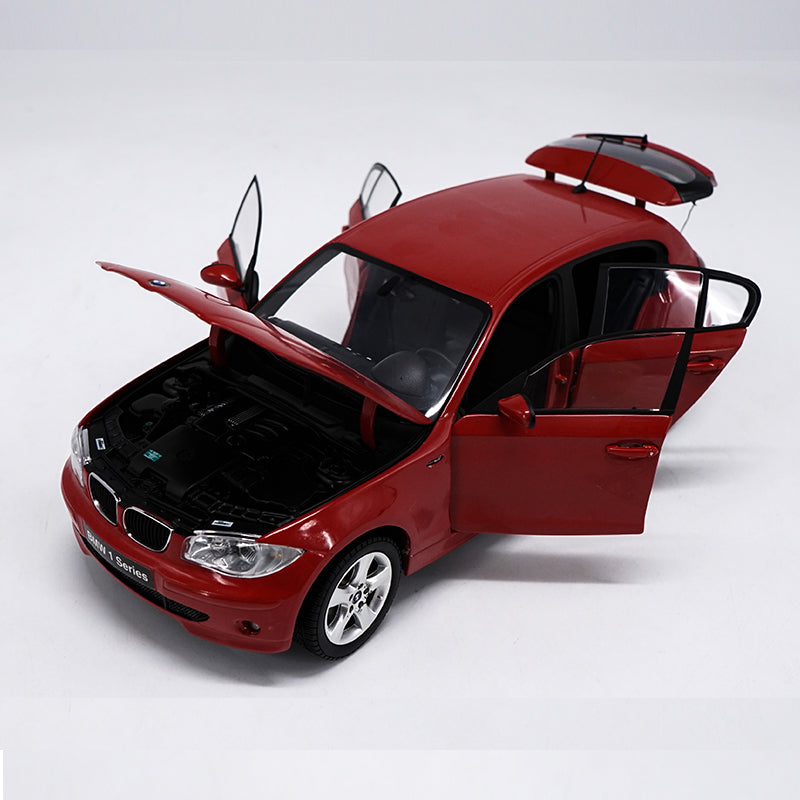 Original factory authentic Kyosho BMW 1 series 1:18 120i BMW Series car model for collection, gift, toys
