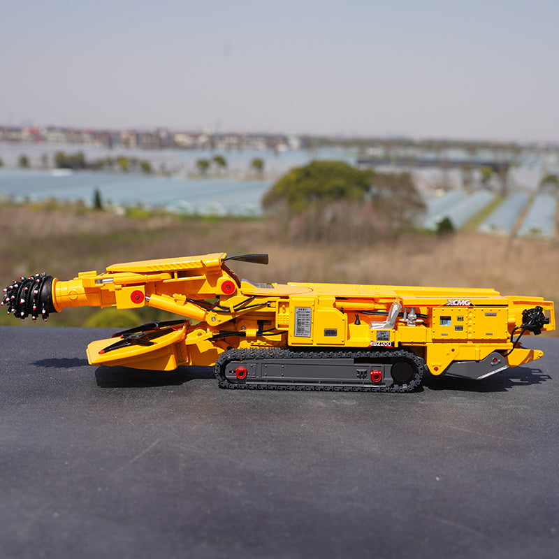 Original facotry 1:35 XCMG EBZ200 Diecast roadheader rotary drilling rig model alloy construction machinery scale miniature for promotion gift
