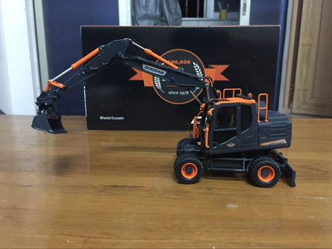 RARE UH8137 1 50 Doosan Dx140w Wheeled Excavator Diecast Toy Model Black Editon