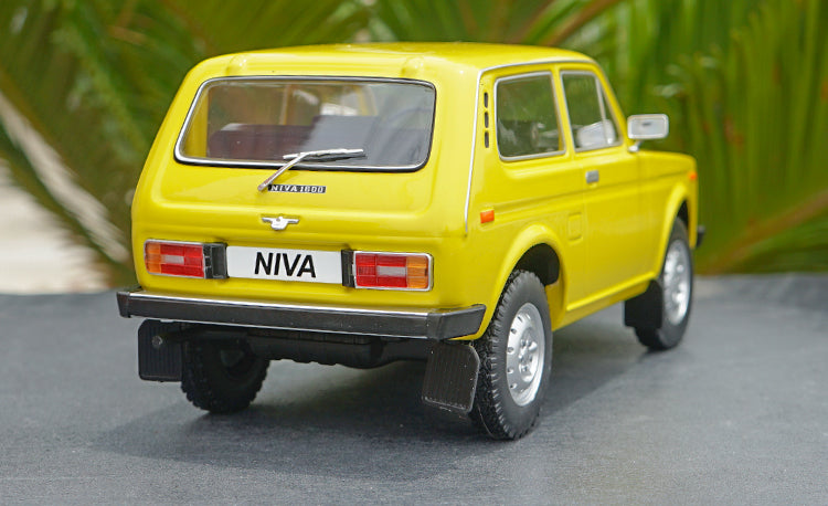 1:18 GROUP LADA NIVA Off-road vehicle jeep alloy car model for gift, Collection