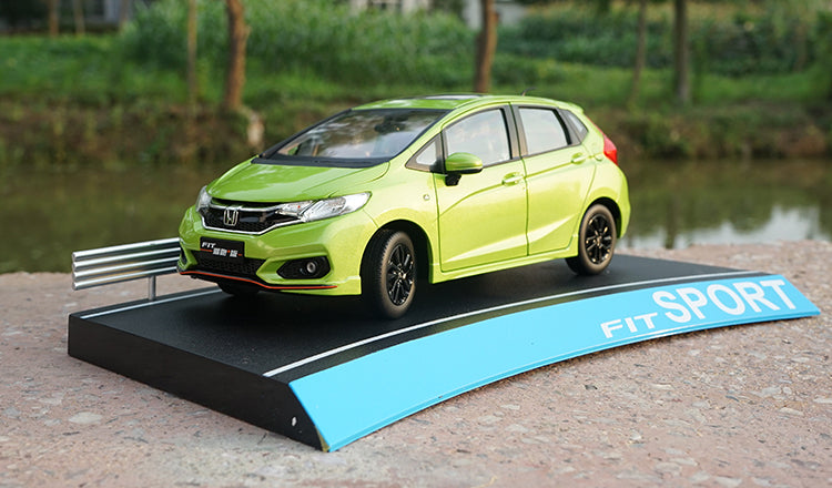 Original factory authentic 1:18 Honda FIT 2018 sport Jazz blue/green hatchback diecast car model for gift, toys, collection
