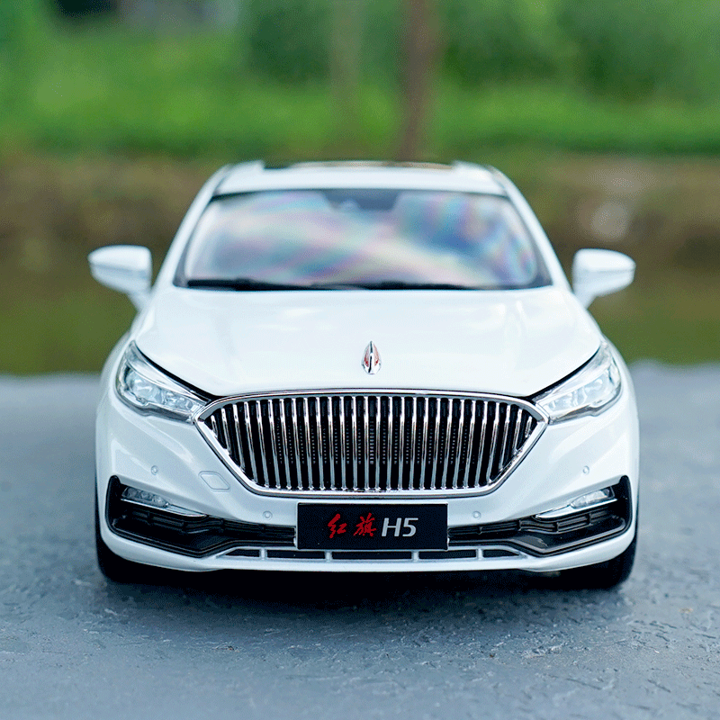 Original factory exquisite diecast 1:18 Hongqi H5 HK centry dragon H5 diecast car models for gift, collection