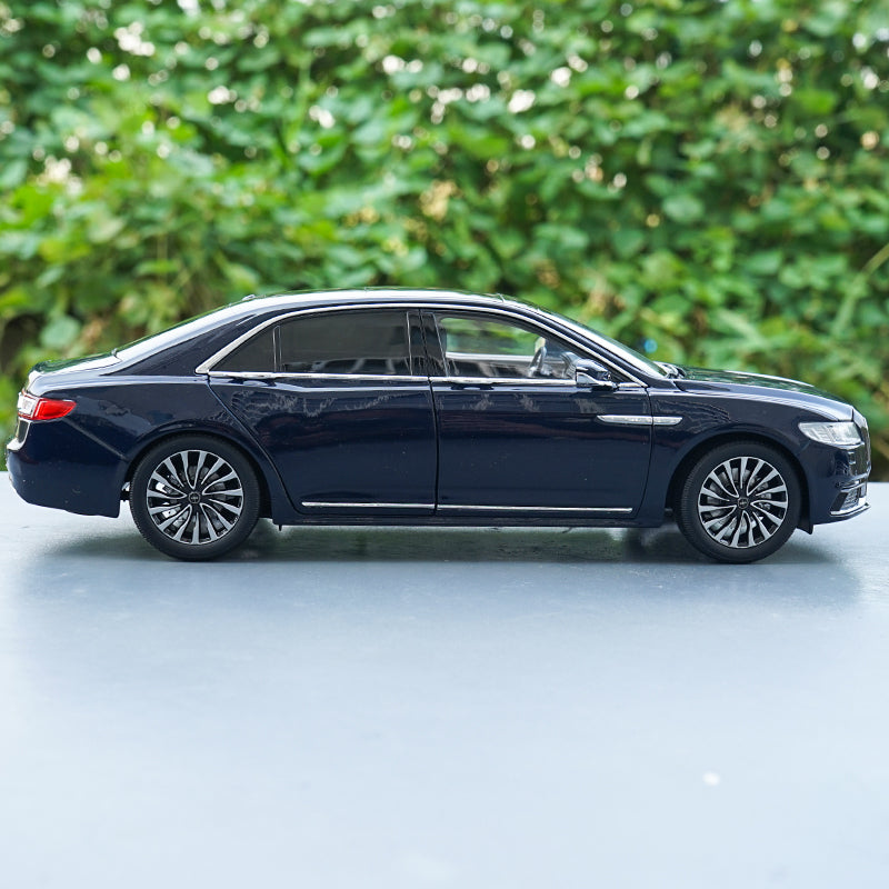 Original factory authentic 1/18 Lincoln CONTINENTAL diecast car model for collection