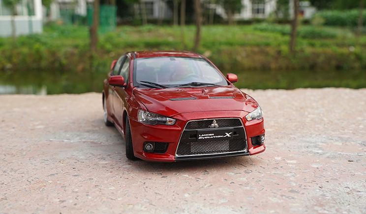 Original factory authentic 1:18 MITSUBISHI LANCER evolution X 10 X diecast metal scale models for gift, collection, toys