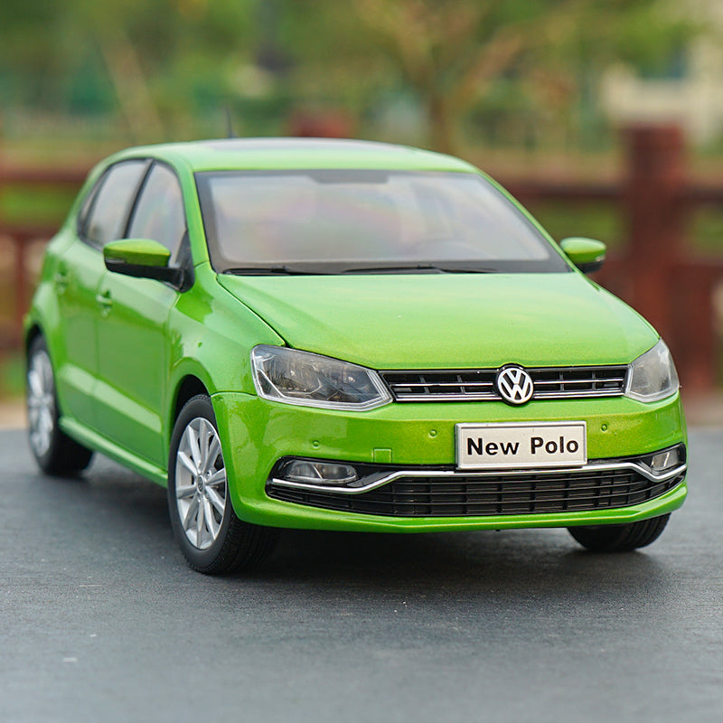 Original factory authentic 1:18 NEW POLO 2016 green/RED/yellow diecast sedan car model for gift, toys, collection