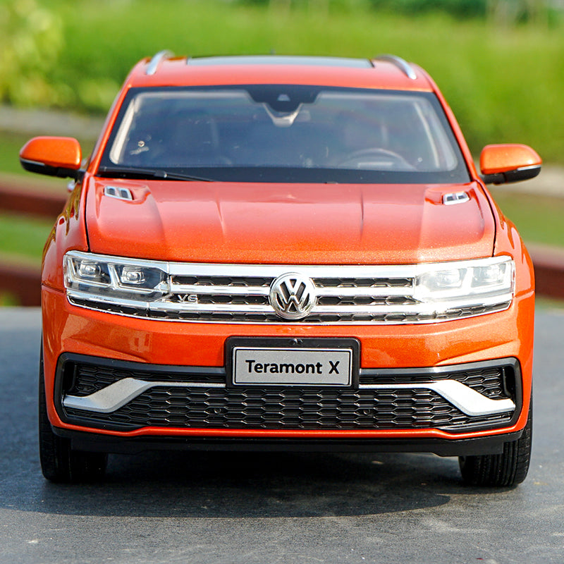1/18 SAIC Volkswagen Teramont X 2019 Orange diecast SUV Car Model with small gift