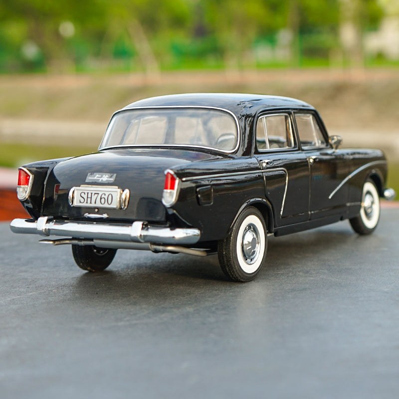 Original factory authentic 1:18 SH760 vintage car 1964 collecting Souvenir kids/adults diecast car model with small gift