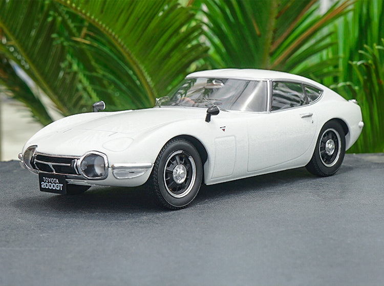 1:18 Triple 9 1967 Toyota 2000 GT Gloss Red Color metal car model