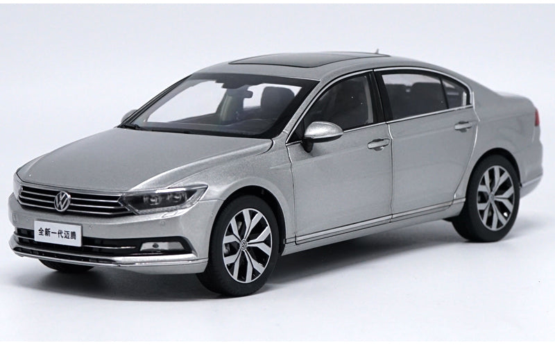 Original factory authentic 1:18 VW Magotan Passat B8 2017 Static Simulation Diecast car models for gift, toys, collection