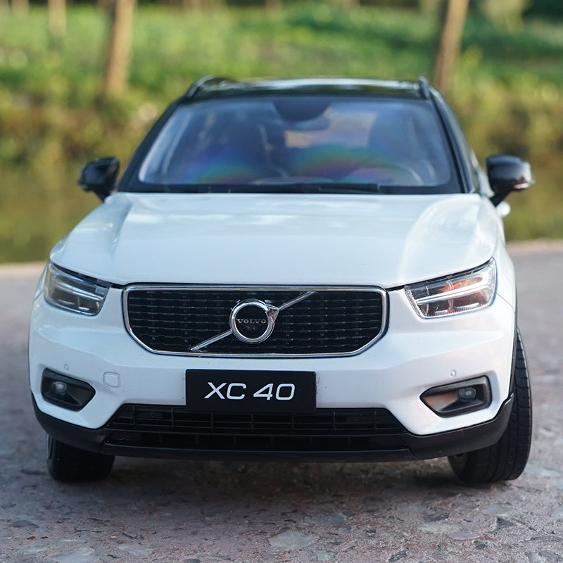 Original factory authentic 1:18 diecast metal VOLVO XC40 car models for gift, collection, toys
