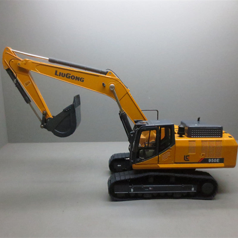 Original Authorized Authentic Diecast 1:35 Liugong 950E metal excavator toy model for Christmas gift,collection