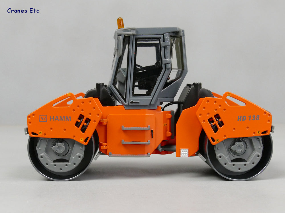 1:35 Wirtgen HD138 Hamm Double Cylinder roadroller model