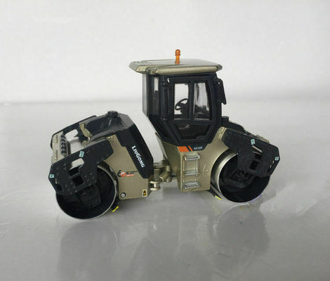 1 50 Liugong CLG 6212 E road roller Model