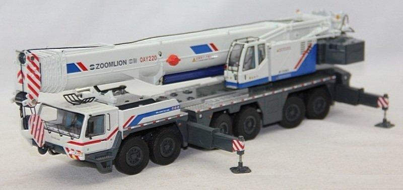 Original factory 1:50 high quality Diecast Zoomlion QAY220 Truck crane models for chistmas gift, collection