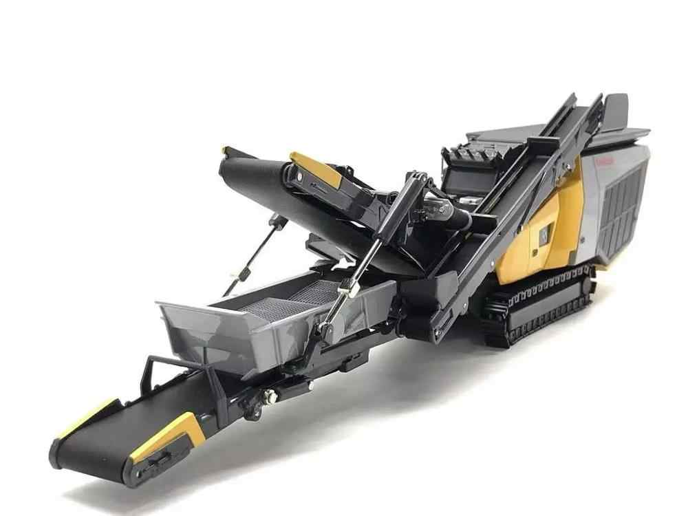 Original factory authentic 1:50 Keestrack R3 Model Crusher Crushing Plant diecast model for gift, collection
