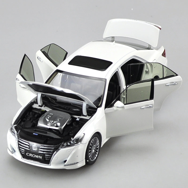 Original Authorized Authentic 1:18 scale toyota Crown 2016 version classic Car Model for christmas/Birthday gift, collection