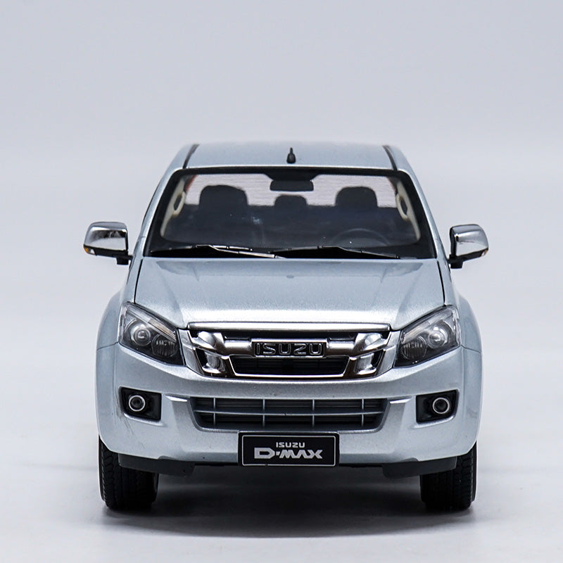 Original Authorized Authentic 1:18 Isuzu D-MAX pick up truck model Diecast toy truck Model for Christmas gift