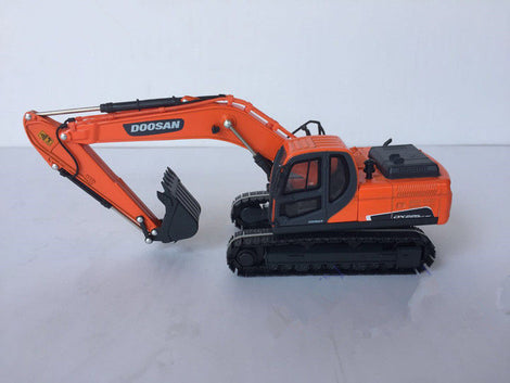2018 new doosan model 1:40 Scale DOOSAN DX225LC 9C Hydraulic Excavator DieCast Toy Model