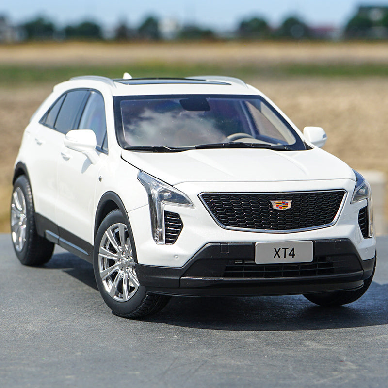 Diecast 1:18 Cadillac XT4 Dealer Edition Collectible SUV car model with small gift