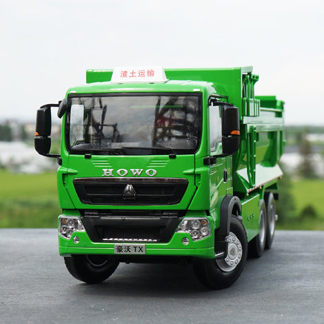 Original factory 1:24 diecast Sinotruk HOWO TX green alloy dump truck models for collection, gift