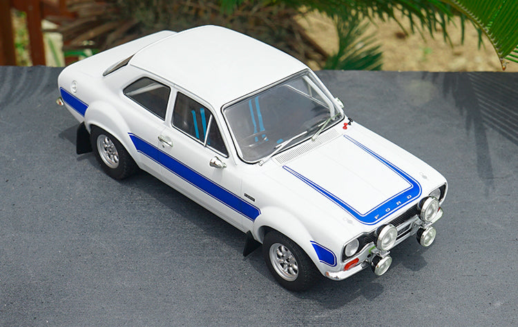 High classic 1:18 Triple9 FORD ESCORT MK1 ROAD CAR With small gift