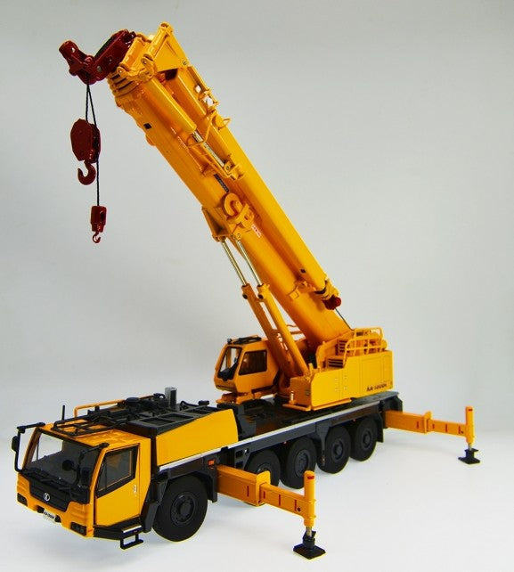 diecast scale 1:50 KATO KA-1300R Mobile crane model with small gift