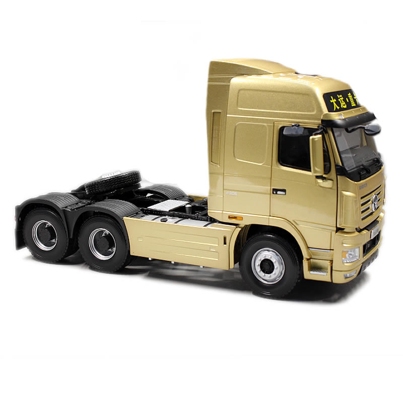 Original Authorized Authentic1:24 scale Dayun N9 tractor truck model Diecast toy truck Model for Christmas gift