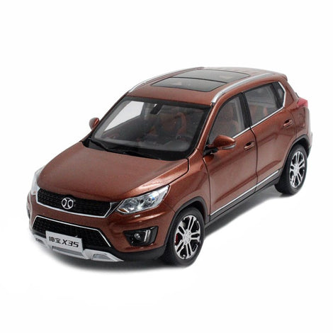 1:18 Baic Senova X35 SUV diecast model with small gift