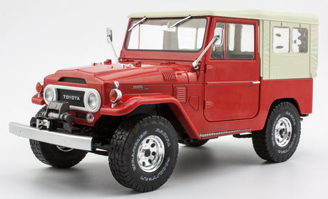 1:18 Toyota Land Cruiser Fj40 1977 Diecast SUV Car Model