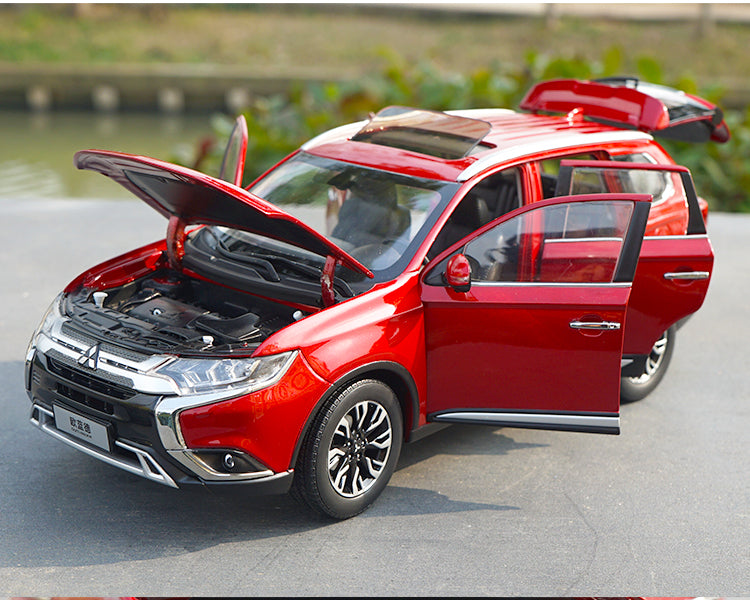 Original factory 1:18 GAC Mitsubishi new Outlander 2017 diecast SUV car model for gift, collection