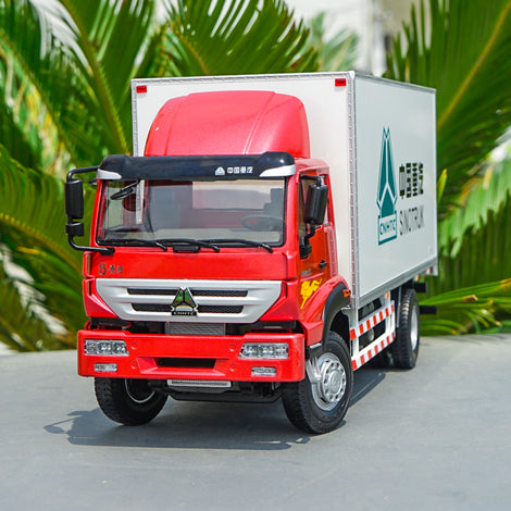 Original 1/24 SINOTRUK New Yellow River Luggage Truck Alloy Car Model, Zinc alloy van type truck model with samll gift