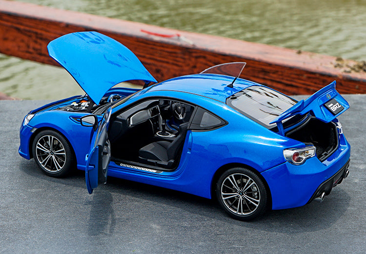 Original AUTOart 1:18 Alloy die casting model Subaru BRZ GT86 Gift collection model with small gift