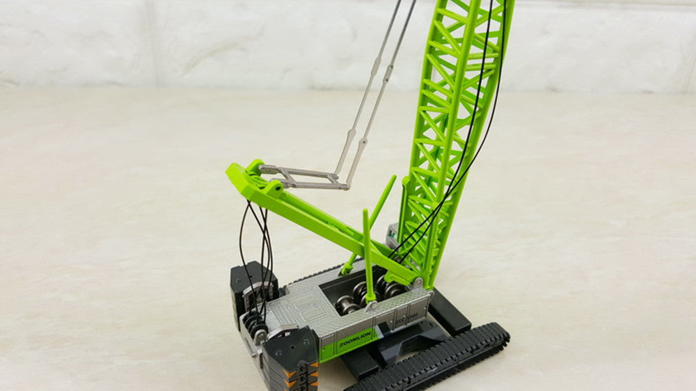 Original Authorized Authentic 1:120 Scale ZOOMLION ZCC1300 Crawler Crane Tower Engineering Machinery DieCast Toy Model for Christmas gift,collection